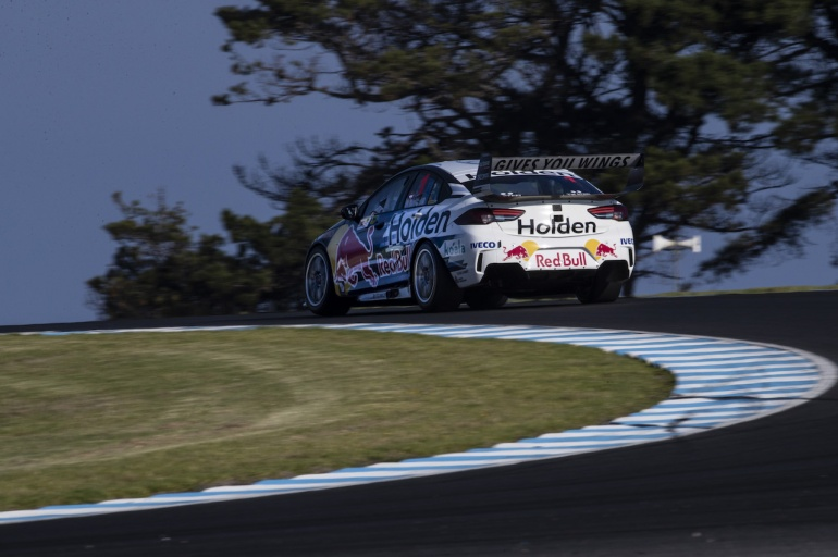 1-whincup-ev04-18-mh2 2131