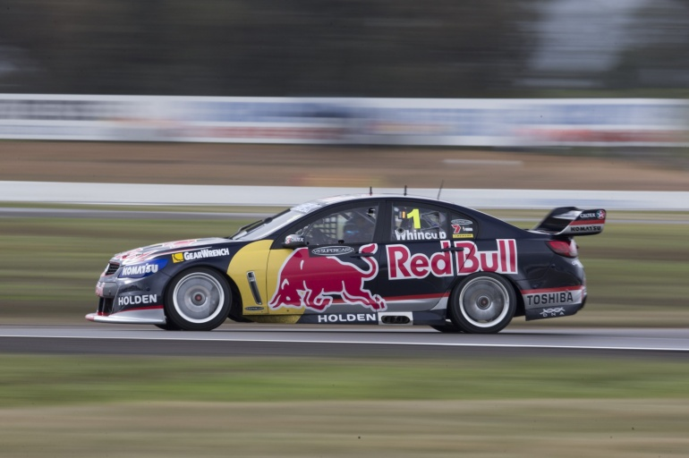 Whincup races in Winton V8 2013
